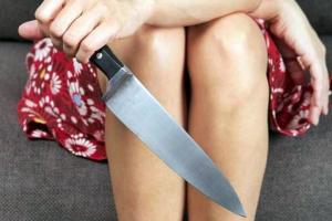 Жительница Каменска-Уральского ударила ножом своего нового ухажера, который назвал ее чужим именем