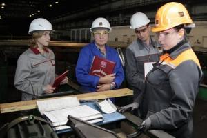 На Синарском трубном заводе в Каменске-Уральском прошел конкурс мастерства контролеров ОТК