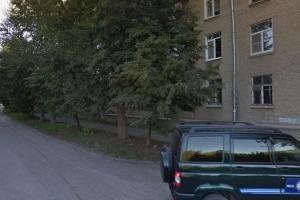 На улице Октябрьская в Каменске-Уральском обновят бордюрные камни