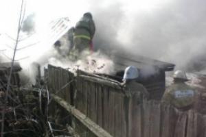 Сегодня под Каменском-Уральским, в селе Большая Грязнуха, горели частный дом и ВАЗ