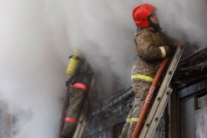 На окраине Каменска-Уральского днем 11 января горела частная баня