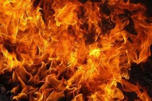 Сегодня утром в Каменске-Уральском горел ВАЗ на улице Кунавина