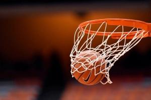 «Баскур» из Каменска-Уральского проиграл домашний матч первенства области по баскетболу