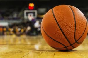 «Баскур» из Каменска-Уральского выиграл первый матч плей-офф первенства области по баскетболу