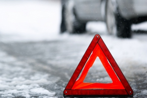 По дороге в Каменск-Уральский в ДТП попал КАМАЗ, груженный металлическими опилками