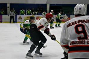 Хоккейная «Синара» из Каменска-Уральского проиграла в первом матче второго круга чемпионата области
