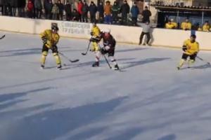 Хоккейная «Синара» из Каменска-Уральского завоевала серебро чемпионата области по хоккею