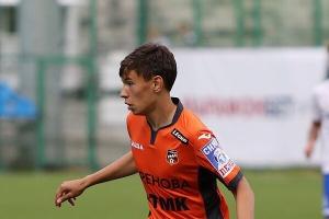 Футболист из Каменска-Уральского Илья Некрасов получил приглашение в основной состав команды премьер-лиги «Урал»