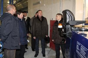 Крытый каток в Каменске-Уральском должны сдать к 23 января. Ход работ проверил заместитель губернатора области