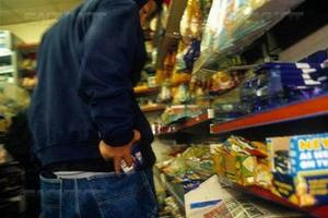 В Каменске-Уральском продолжается серия магазинных грабежей. Но преступников ловят
