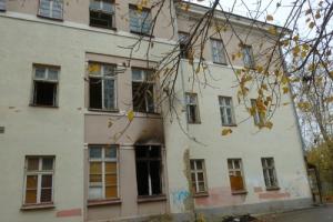 Область дала «добро». Здание бывшей шестой больницы на улице Сибирская в Каменске-Уральском наконец-то снесут