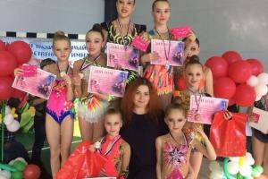 Гимнастки из Каменска-Уральского привезли почти два десятка медалей с престижного турнира в Тюмени