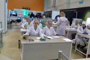 Две школьницы из Каменска-Уралького приняли участие в финале Национального чемпионат «Профессионалы будущего» по методике JuniorSkills
