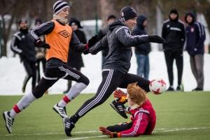 Футбольная «Синара» из Каменска-Уральского субботний домашний матч зимнего чемпионата области сыграет в 12.00