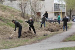 В Каменске-Уральском 362 волонтера в Синарском районе и полторы сотни в Красногорском районе уже стали участниками экологических субботников