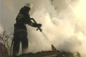Под Каменском-Уральским 22 апреля днем произошел пожар в трехквартирном доме