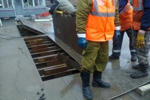 Сотрудник полиции Каменска-Уральского стал виновником ДТП, в результате которого вышел из строя железнодорожный переезд. Страж порядка уже уволен