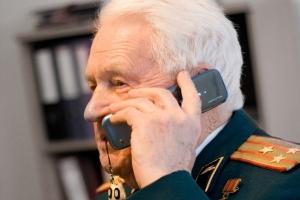 В честь Дня Победы ветеранам Великой Отечественной войны дарят по сто минут бесплатных телефонных разговоров