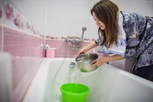 Сегодня третий день подряд происходит отключение горячего водоснабжения в жилых домах Синарского района Каменска-Уральского