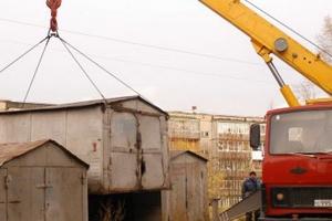 В Каменске-Уральском из четырех гаражей «вне закона» на проспекте Победы три все-таки убрали