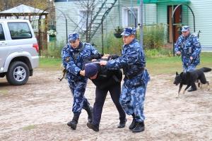 В рамках операции «Контингент-2018» в Каменске-Уральском задерживали беглых преступников