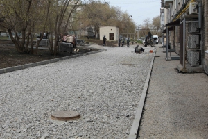 В Каменске-Уральском жильцы лично следят за тем, как во дворах ведутся работы по формированию комфортной городской среды