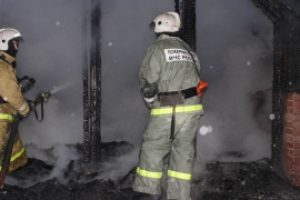Чтобы потушить возгорание сегодня ночью под Каменском-Уральским пришлось призвать на помощь добровольную пожарную дружину