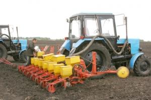 Посевной в Каменском районе посевной мешает погода, но аграрии надеются справиться до конца мая