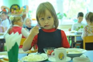 В Каменске-Уральском, как и во всей Свердловской области, начала работу горячая линия, посвященная питанию в школах и детских садах