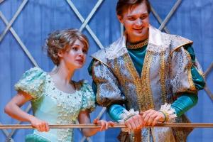 После последних спектаклей этого сезона в театре драмы Каменска-Уральского покажут дополнительную программу