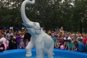 «Слоненок» заработал. Легендарный фонтан вновь открыли в Каменске-Уральском