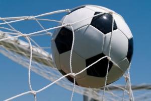 «Барс» упрочил свое лидерство в чемпионате Каменска-Уральского по футболу
