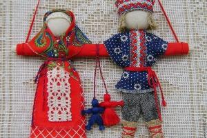 Для жителей Каменска-Уральского проведут бесплатный мастер-класс по изготовлению народной русской свадебной куклы «Неразлучники»