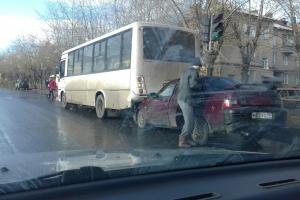 В Каменске-Уральском сегодня в ДТП опять попал автобус маршрута №16
