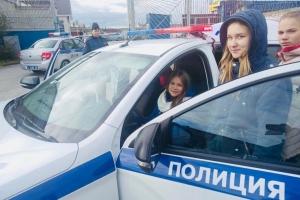 В Каменске-Уральском школьники познакомились с особенностями работы сотрудников ГИБДД
