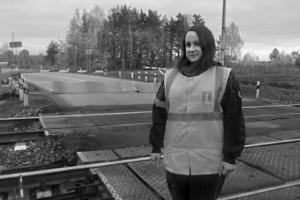 Сотрудница Каменск-Уральской дистанции пути предотвратила железнодорожную катастрофу