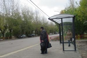 В Каменске-Уральском продолжается обновление автобусных остановок
