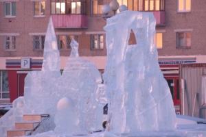 Каменск-Уральский, как Екатеринбург, главной темой новогоднего городка выбрал сказки