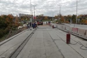 Сегодня должно было открыться полноценное движение по Байновскому мосту в Каменске-Уральском