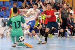 Максим Окулов из Каменска-Уральского сыграет в полуфинале юношеской олимпиады