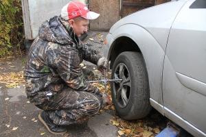 Автолюбителей Каменска-Уральского призывают «переобуть» свои машины
