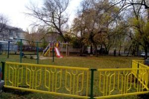 Во дворах Каменска-Уральского с начала года установили миллион погонных метров ограждений