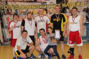 На алюминиевом заводе в Каменске-Уральском выявили лучших в баскетболе и настольном теннисе