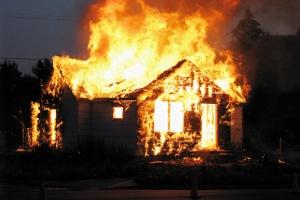 Сегодня утром в селе Новоисетское, что под Каменском-Уральским, горел частный жилой дом
