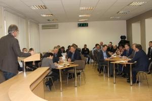 Депутаты думы Каменска-Уральского сказали, что не будут лоббировать лишь свои округи при выборе дорог для ремонта