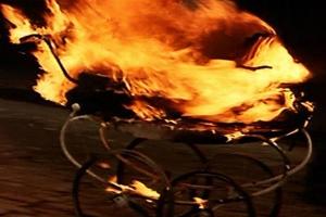 17 декабря в подъезде многоквартирного дома загорелась коляска. Пришлось эвакуировать шесть человек