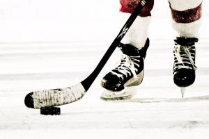 Состоялись матчи третьего тура чемпионата Каменска-Уральского по хоккею