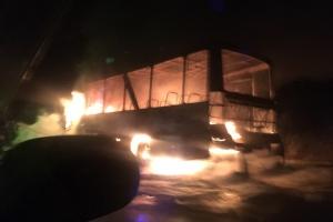 Под Каменском-Уральским 15 ноября утром загорелся автобус, который вез работников одного из предприятий