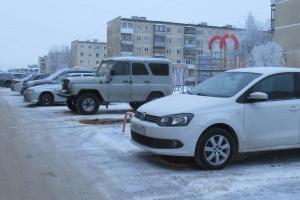 «Лягушки» на парковках во дворах Каменска-Уральского все-таки разрешили