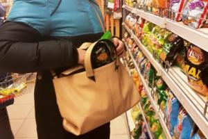 В Каменске-Уральском задержали еще одну продуктовую воришку. Ущерб от ее «визита» почти четыре тысячи рублей